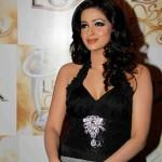 Saba Qamar in Lux Style Awards 2011