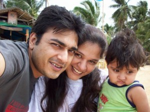 Azfar Ali and Salma Hassan with their kid