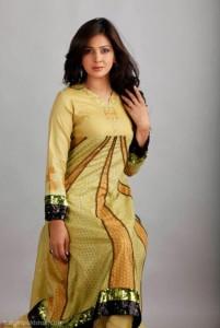 Saba Qamar looking hot