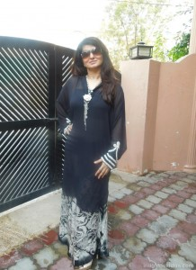 Samiah Khan looking hot