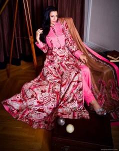 Hot Agatha wearing Gul Ahmed