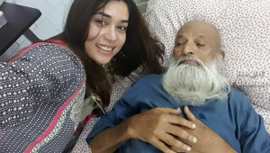 Komal Rizvi selfie with Edhi